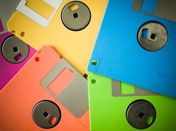 Floppy-Disk-Upcycle-Ideas.jpg