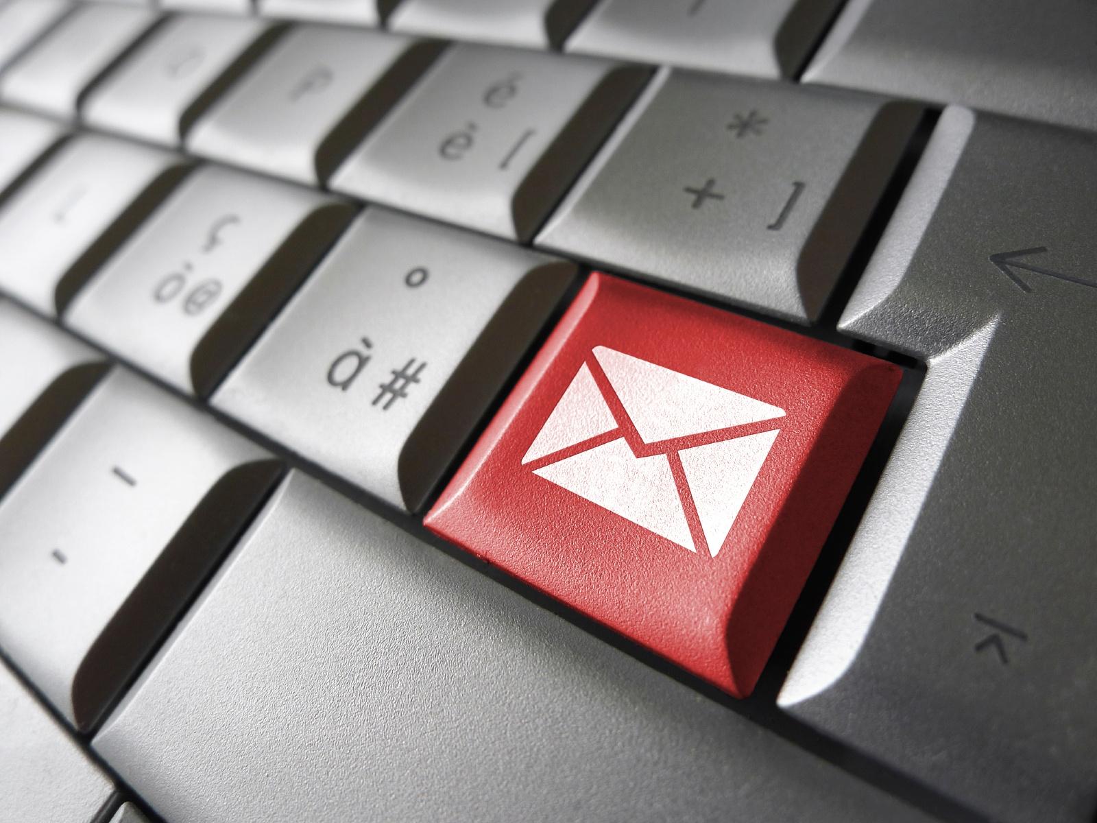 b2b-sales-prospecting-emails.jpg